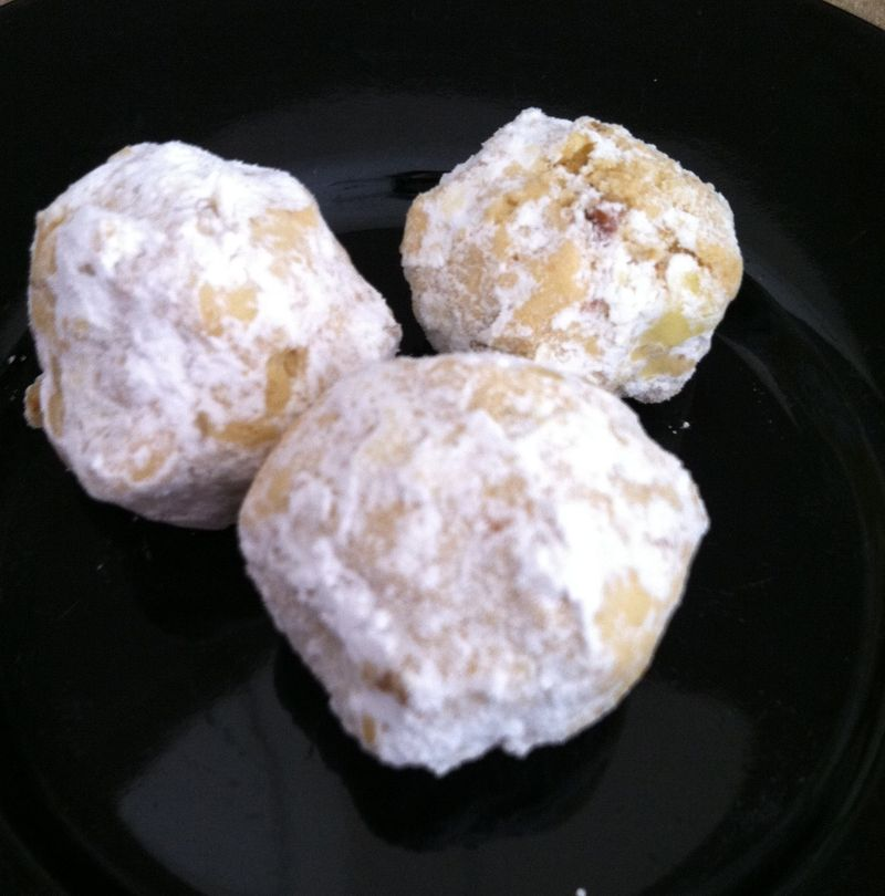 Vegan_snowball_cookies