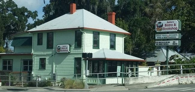 Bakka's Bistro and Books Restaurant in New Smyrna Beach - Review