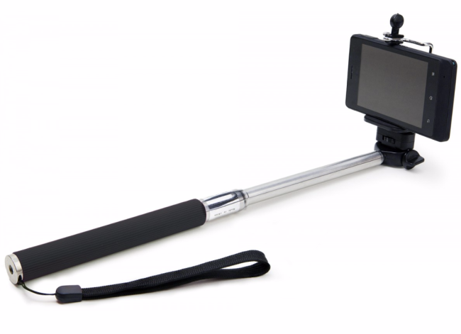 In defense of the selfie stick - people just lack common sense
