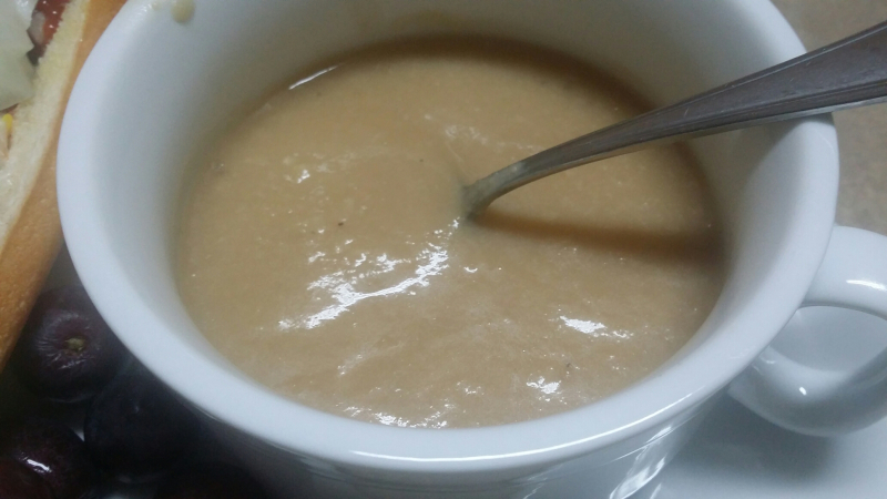 Vegan-cauliflower-soup