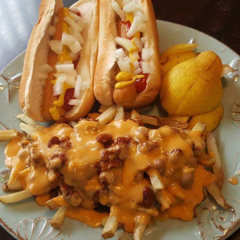 Vegan-chili-cheese-fries