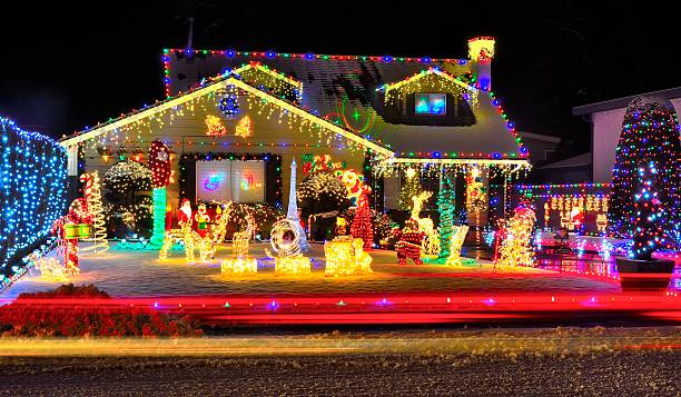 Looking for some great Christmas light displays around Volusia County?  There are some great light displays to see in Daytona Beach, Ormond Beach,  ... - Great Christmas Light Displays In Volusia County - Volusia County Moms